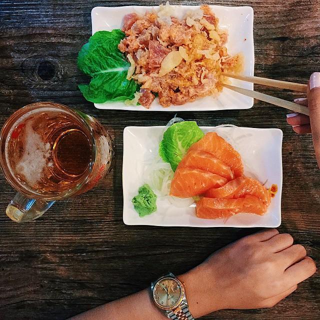 complete meal ? #salmon #sashimi #spicytuna #kikufuji