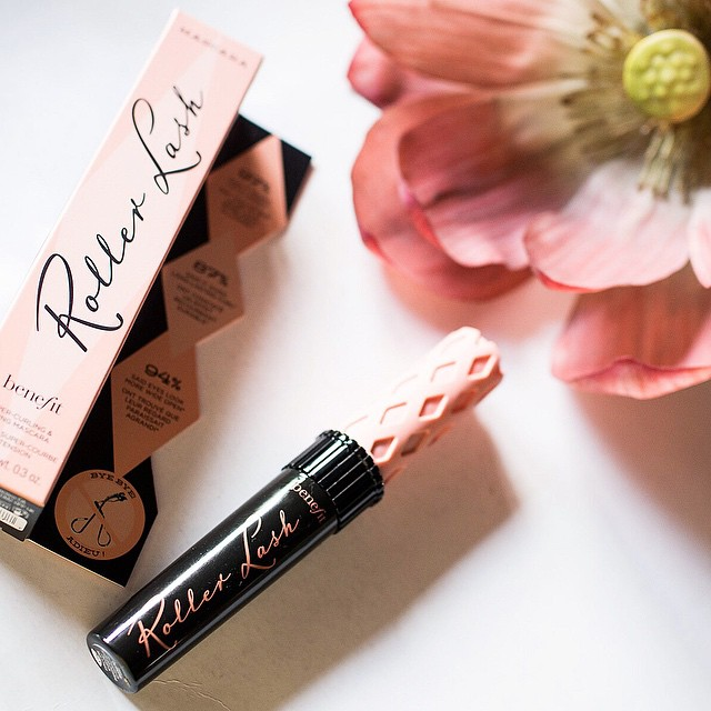 The new #Benefit Roller Lash Mascara reviewed on the blog (link in my profile). See what it can do to my stick straight lashes. ? @benefitbeautyph #somethingnew #benefitph #benefitcosmetics #mascara #beauty #bblogger #beautyblogger #beautyblog #productreview #supercurlph