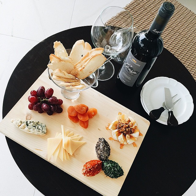 our afternoon delight: wine and cheese at @tdlci #DiscoveryCountrySuites #TagaytayStaycation #Tagaytay #wine #cheese #travel #philippines #lushangeltravels #staycation