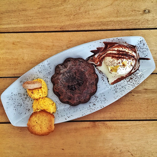Since everyone will be in #Boracay this weekend, I'll just be dreaming about my fave #ChocolateSin there. ? #LaBoracay #desserts #sweets #chocolate #craving