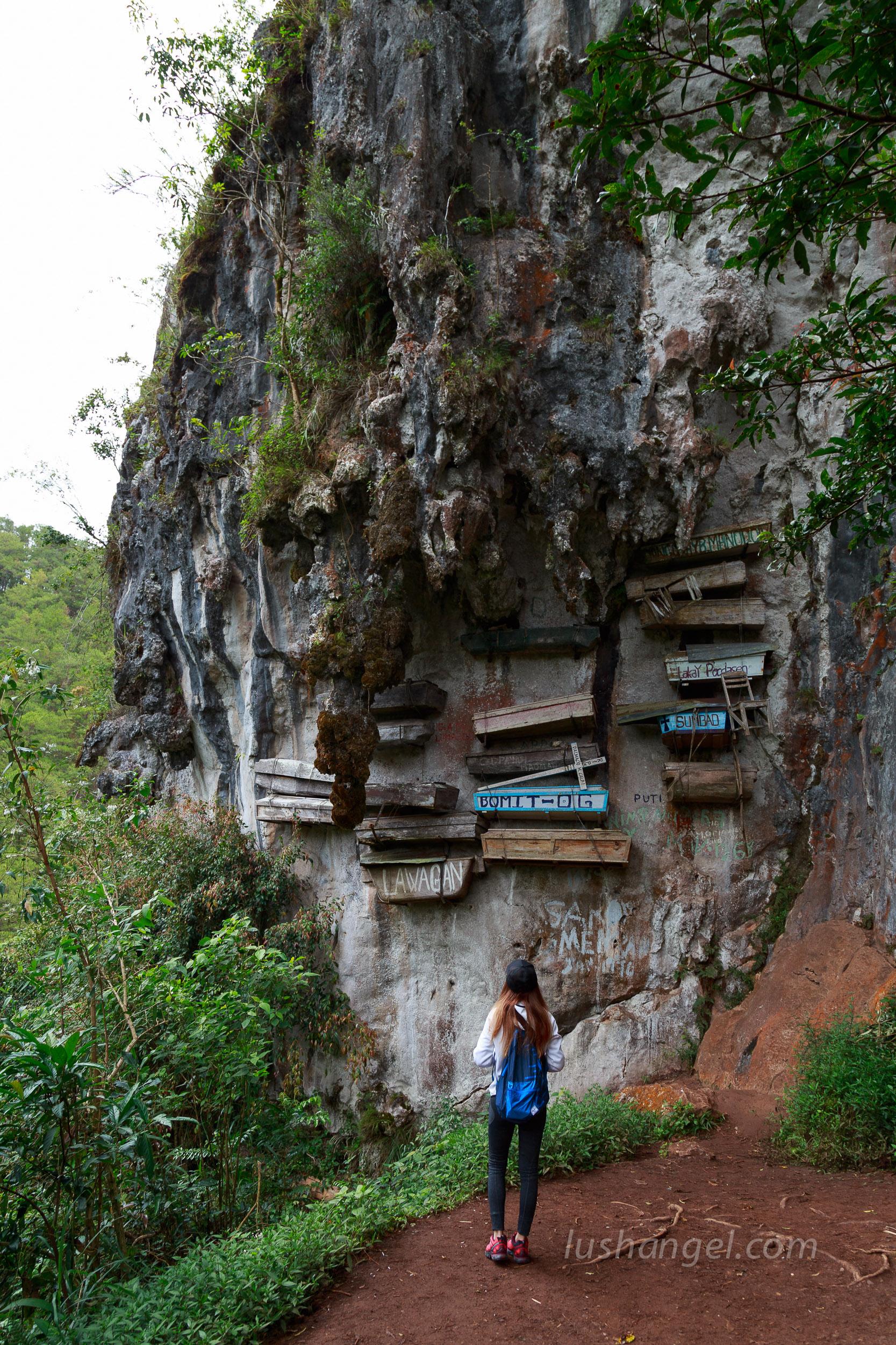 sagada-hanging-coffins