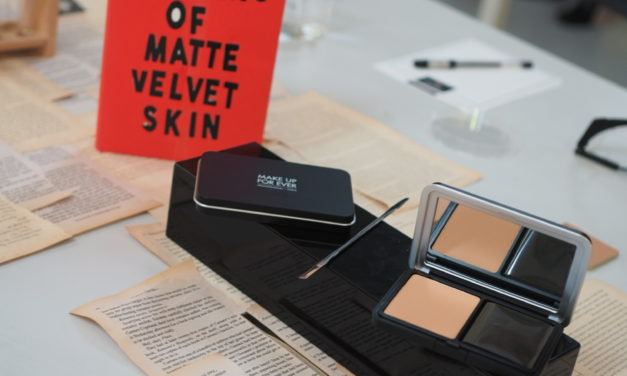 Review: MAKE UP FOR EVER Matte Velvet Skin Blurring Powder Foundation